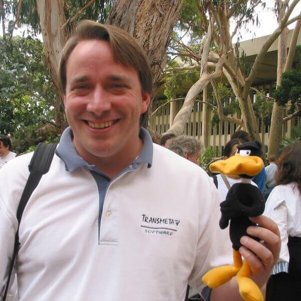 Linus Torvald pede desculpas por falta de empatia, em carta (e-mail) aberta